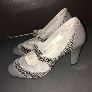 AEROSOLES Shoes - Gray Aerosoles pumps / heels